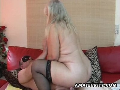 bed  chubby  cougar  fuck